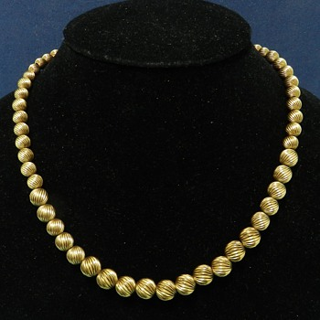 14k Gold Fluted Bead Necklace - 1940's-60's - Thrift Store!