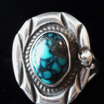 KINGMAN TURQuoise Ring Possible Navajo what you think?  can you help with this mark - Native American