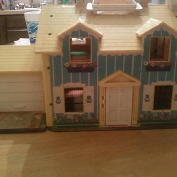 Fisherprice Toy House! - Dolls