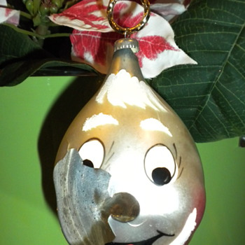 Beloved Christmas Ornament: Broken ... need some info ... want to repair or replace