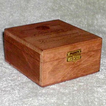 Suerdieck Cigarrilhos Wooden Box