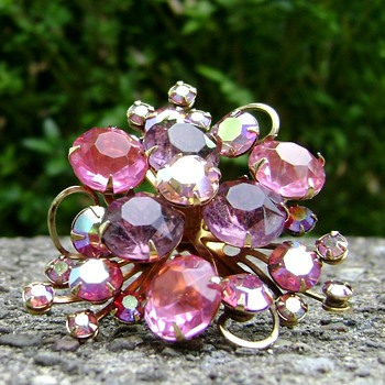 Costume Jewelry Brooch
