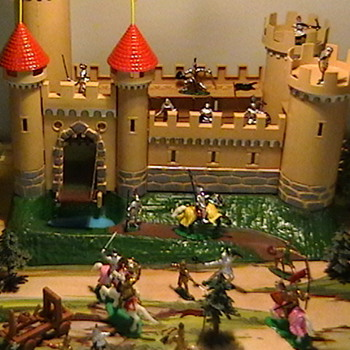1960's Marx  Knights and Castle Miniature Playset - Toys