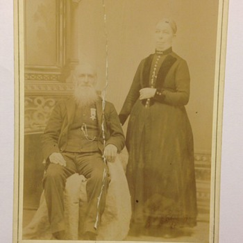 1880 Cabinet Card Photo. Man and Woman Civil War Medal  - Photographs