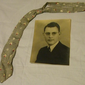 1923 Hand Tailored Resilient Construction Necktie