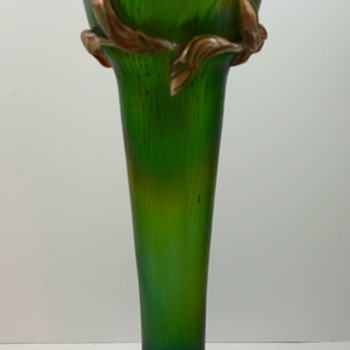 Rindskopf (attrib) Martelé  vase with applied vines, ca. 1900 - Art Glass