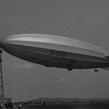 R100 airship photos