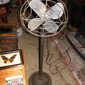 Eskimo Pedestal Fan Circa 1950 - Tools and Hardware