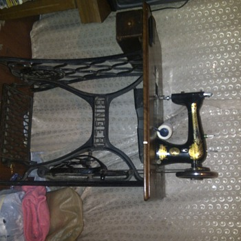 singer sewing machine 1895 y made - Sewing