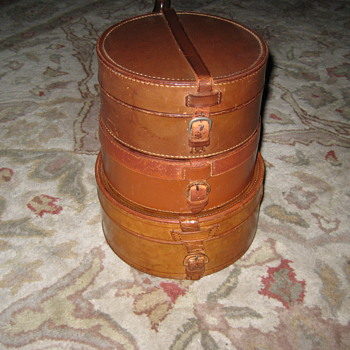 Antique Shirt Collar Traveling Boxes