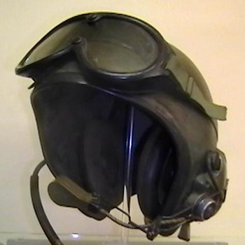1966 U.S. Army Armored Vehicle Personnel Helmet - Military and Wartime