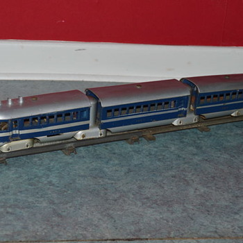 electric streamline electric train toy O scale - Model Trains