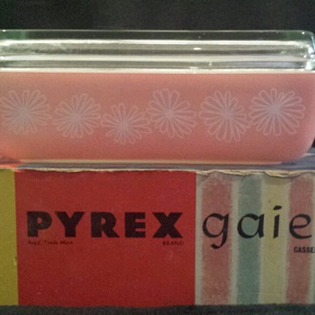 Boxed Pink Daisy Vintage Pyrex - Kitchen