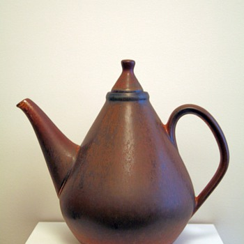 Carl Henry Stalhane BC teapot for Rorstrand, Sweden 1958 - Art Pottery