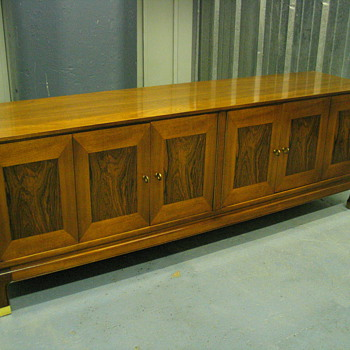 Very cool dining set and bedroom set in excellent condition - Mid Century Modern