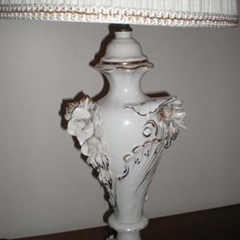 Need to Identify This lamp - Lamps