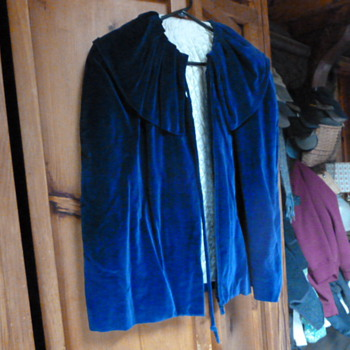 Vintage cape - Womens Clothing
