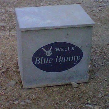 Wells Blue Bunny Milk Cooler - Advertising