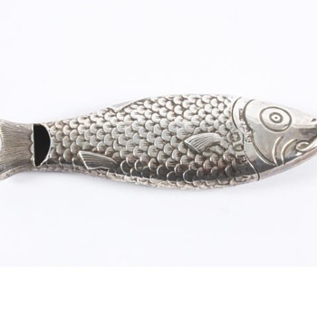 Sampson Mordan fish shaped vesta and whistle - Sterling Silver
