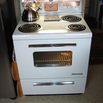 "Marhsall Wells Co. ""Zenith"" Electric Range"