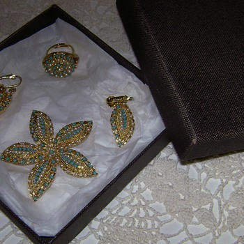 Sarah Coventry Brooch, Earrings & Ring