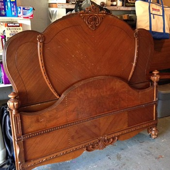 1920's deco style bed - Furniture