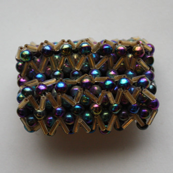 Vintage brooch, possibly rainbow magnetite - Costume Jewelry