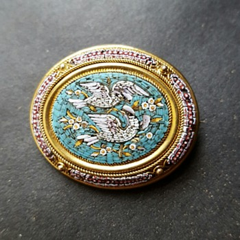 Micromosaic brooch, early Victorian.