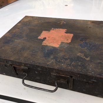 WW1 Soldier's Personal documents Box - Military and Wartime
