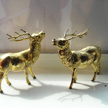 "Pair of Reindeer With Red Jewel Eyes 3"" Tall - Christmas"