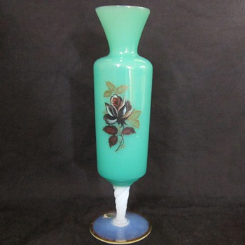 Age and Type of this Murano Green glass bud vase? - Art Glass