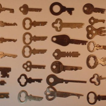 Antique Keys 2 of 2 - Type? Use?