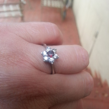 SIGNED  W800 FLOWER DESIGN RUBY,CLEAR STONES RING