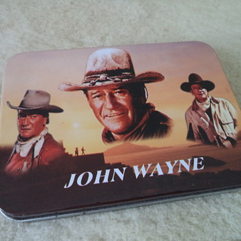 John Wayne Knife in Tin Box