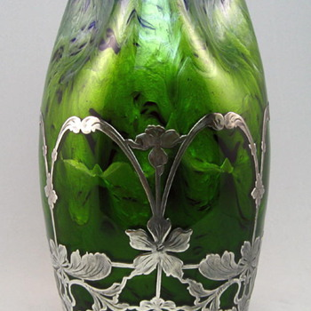 Loetz Dunkelblau mit Maigrün vase with Sterling Overlay - Art Glass