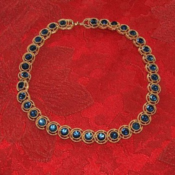 Trifari necklace/choker - Costume Jewelry