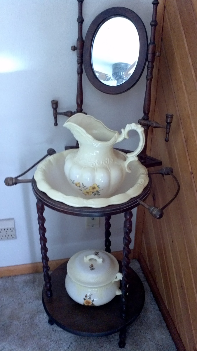 Antique Wash Stand With Pitcher And Basin Collectors Weekly