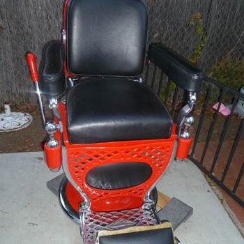 this is a T.H.Kocks Barber chair