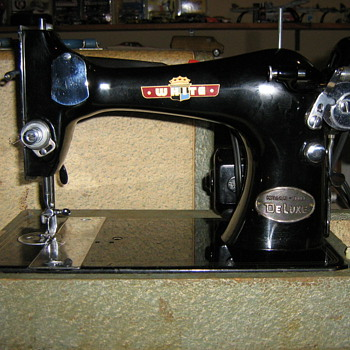 Old White Sewing machine - Sewing