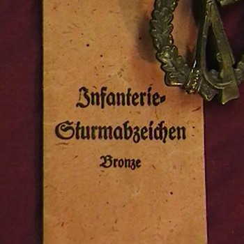 WW II German Infantry Assault Badge - Military and Wartime
