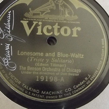 1920's signed Victor record. Thrift store find.