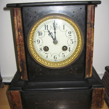 Antique 1850's French marble mantle clock. - Clocks