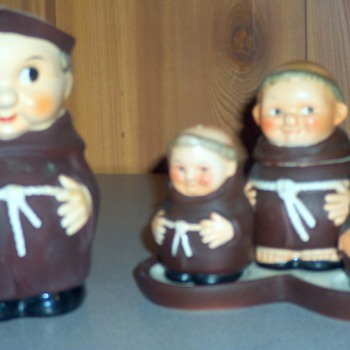 Goebel monk or Friar condiment set and matching jug - Kitchen