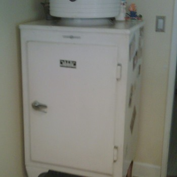 I use this Fridge as a Daily Cooler.  Still working after ## years! - Kitchen
