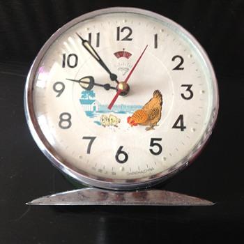 Vintage 1970's Chinese Shanghai Zuanshi automated alarm clock.