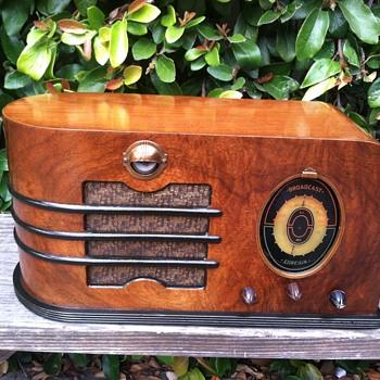Climax General Television Tube Radio 1938 - Radios