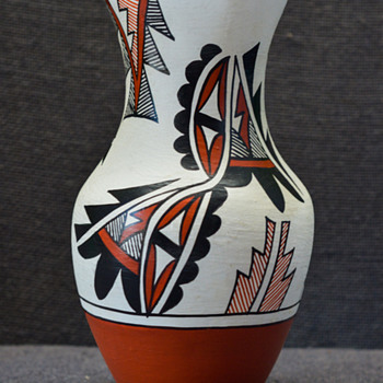 G Madalena Jemez Pueblo Pottery