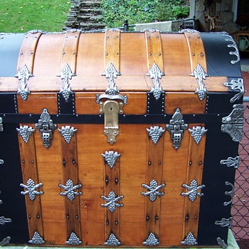 1880's Barrel Top Trunk - Furniture