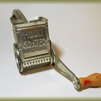 1940's -- MOULI GRATER ( Made in France ) - Kitchen