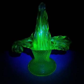 Kralik Floriform Basket in pink & uranium - Art Glass